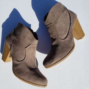 Charlotte Russe Tan Suede Boots Size 9